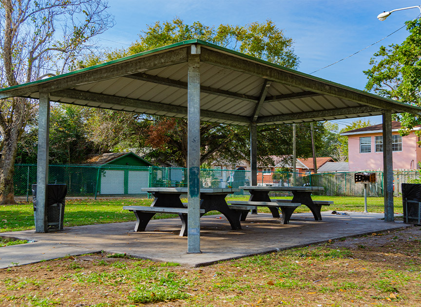 Silver Lake Playlot Shelter